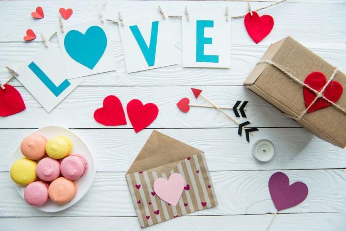 День Святого Валентина. Делаем валентинки с малышами
