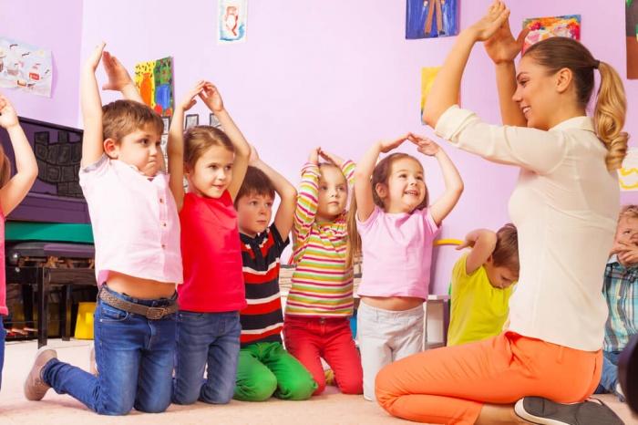 Весёлая логоритмика: упражнения для малышей